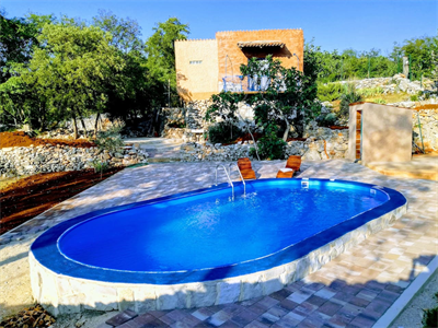 Atelier FILOZICI with pool